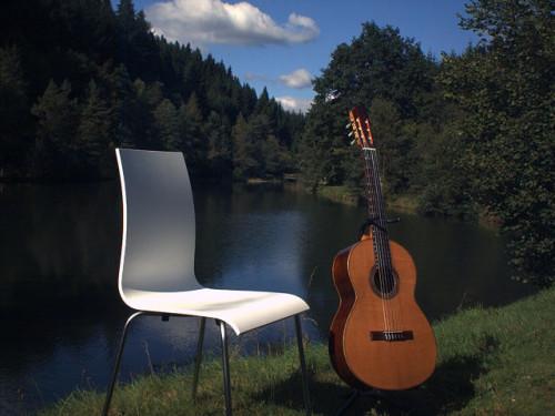 Gitarre am See