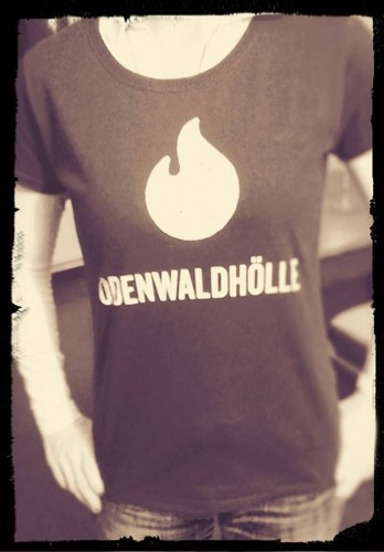 Eigentlich hasse ich bedruckte T-Shirts. Aber das musste sein.